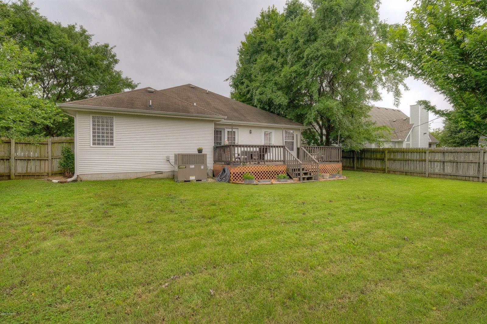 103 Briar Meadow Drive, Carl Junction, MO 64834