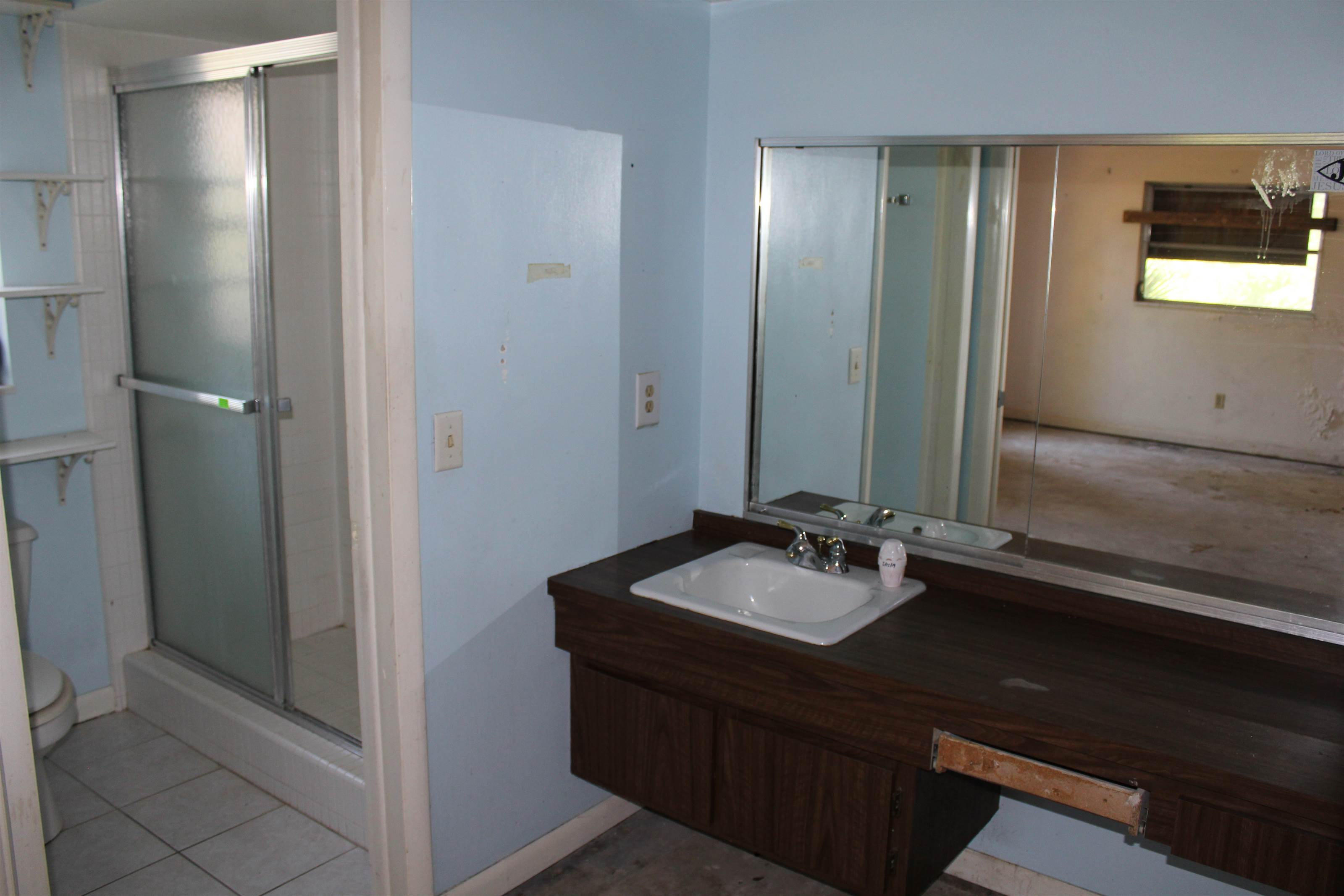 2242 6TH Avenue SW, Largo, FL 33770