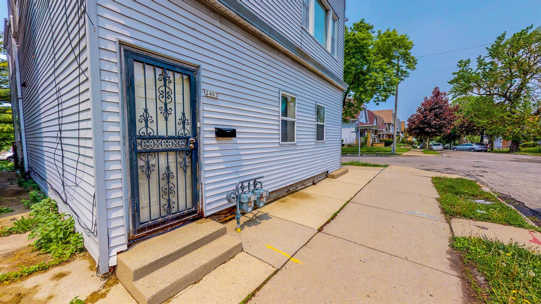 2401 S 8th St. 2403, Milwaukee, WI 53215