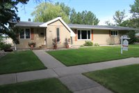 1808 11th St SW, Minot, ND 58701