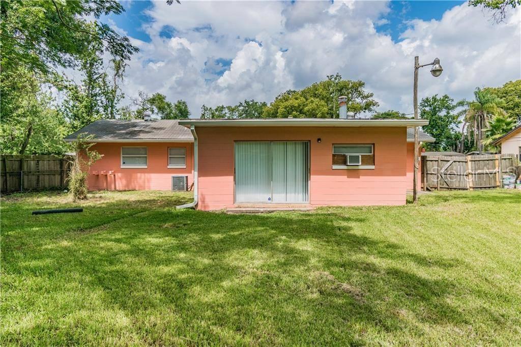 2207 Eiffel Dr, Orlando, FL 32808