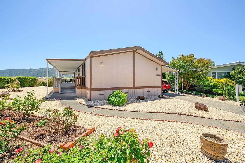 803 East Champagne Circle, Calistoga, CA 94515