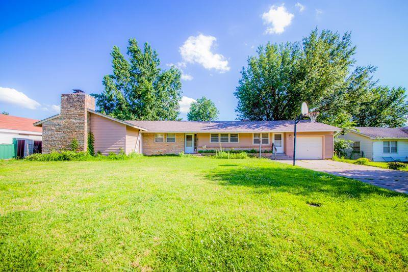 835 E 5th Street, Cushing, OK 74023