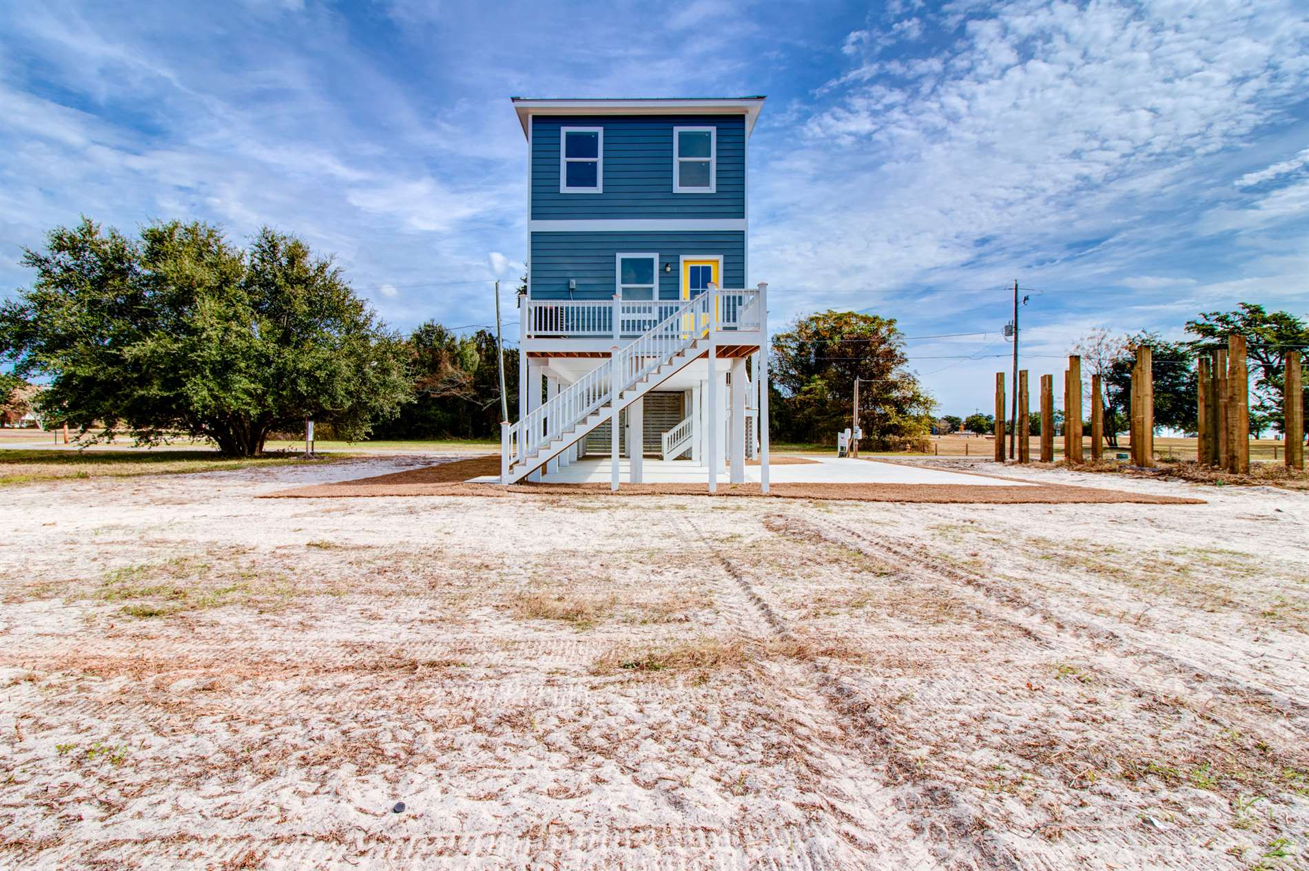 123 Clarence Ave, Pass Christian, MS 39571