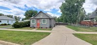 817 6th Ave NE, Minot, ND 58703