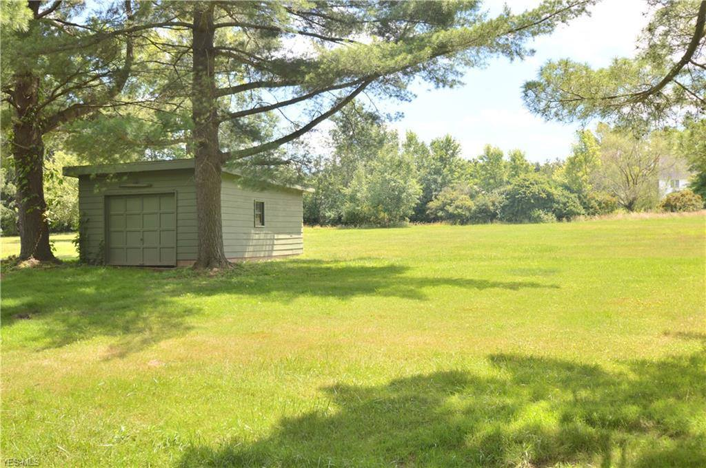 3591 Leffingwell Rd, Canfield, OH 44406