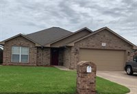 1104 E Cross, Perkins, OK 74059