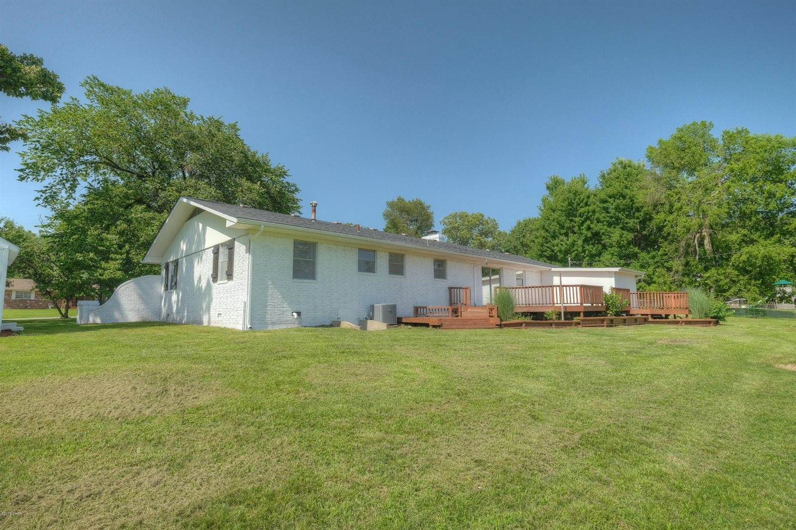 3206 Moorhead Drive, Joplin, MO 64804