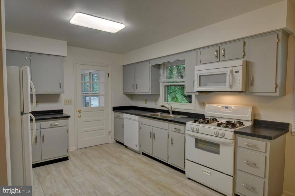 1344 Middleway Pike, Inwood, WV 25428