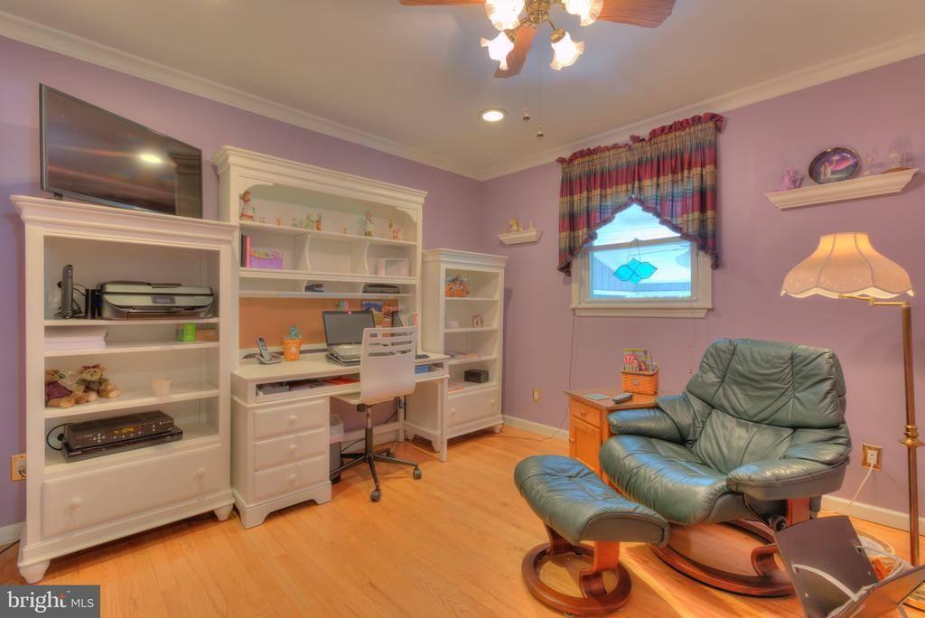 5 Heather Drive, Ewing, NJ 08638