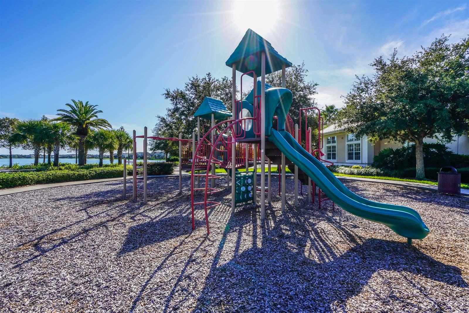 529 Blue Cypress Drive, Groveland, FL 34736