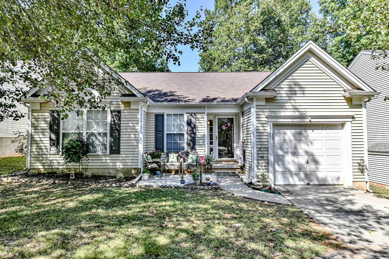 1523 Rumstone Lane, Charlotte, NC 28262