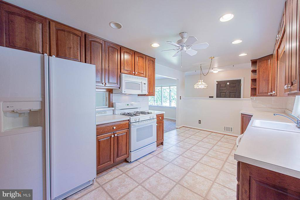 6111 Cipriano Road, Lanham, MD 20706