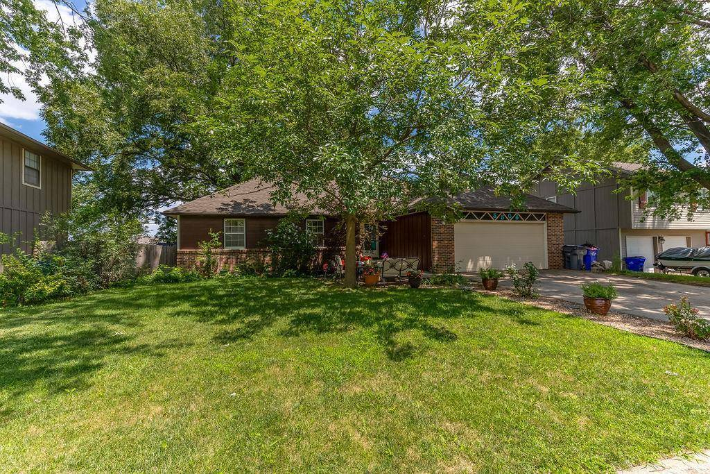 15508 West 151st Terrace, Olathe, KS 66062