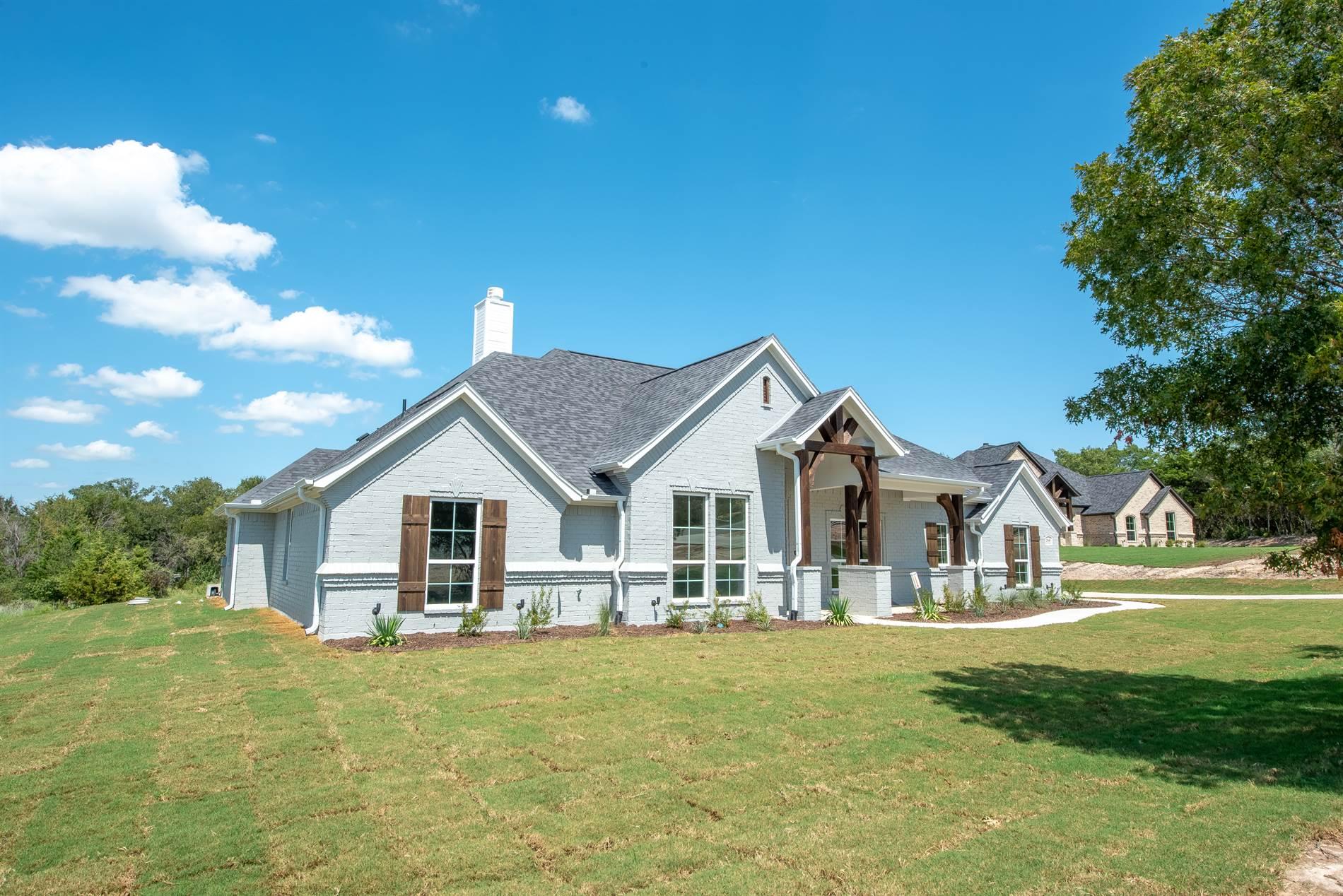 268 Scenic Wood Drive, Azle, TX 76020