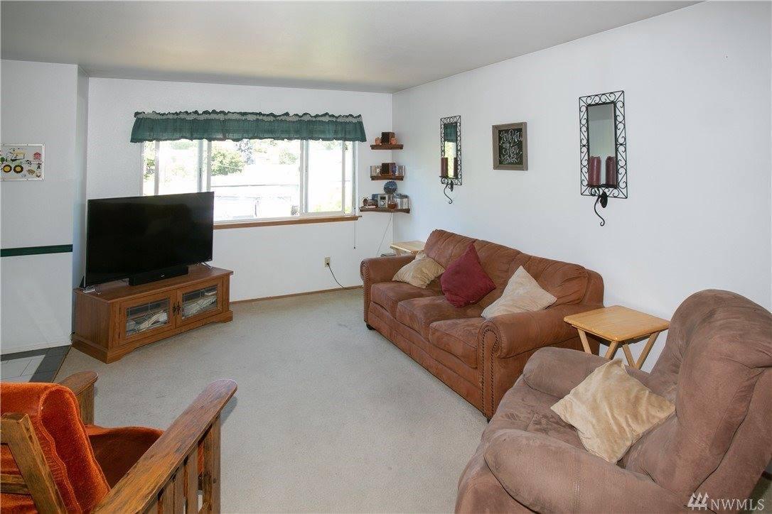 4215 Terrace Dr, Everett, WA 98203