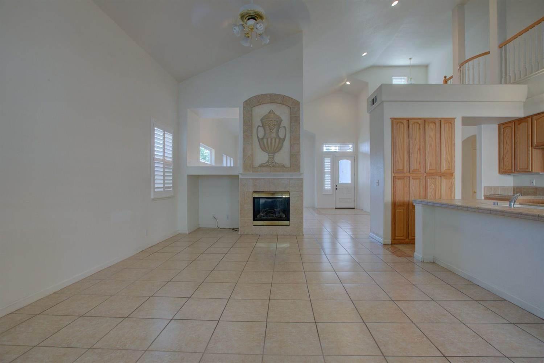 3641 Seasons Park Drive, Turlock, CA 95382