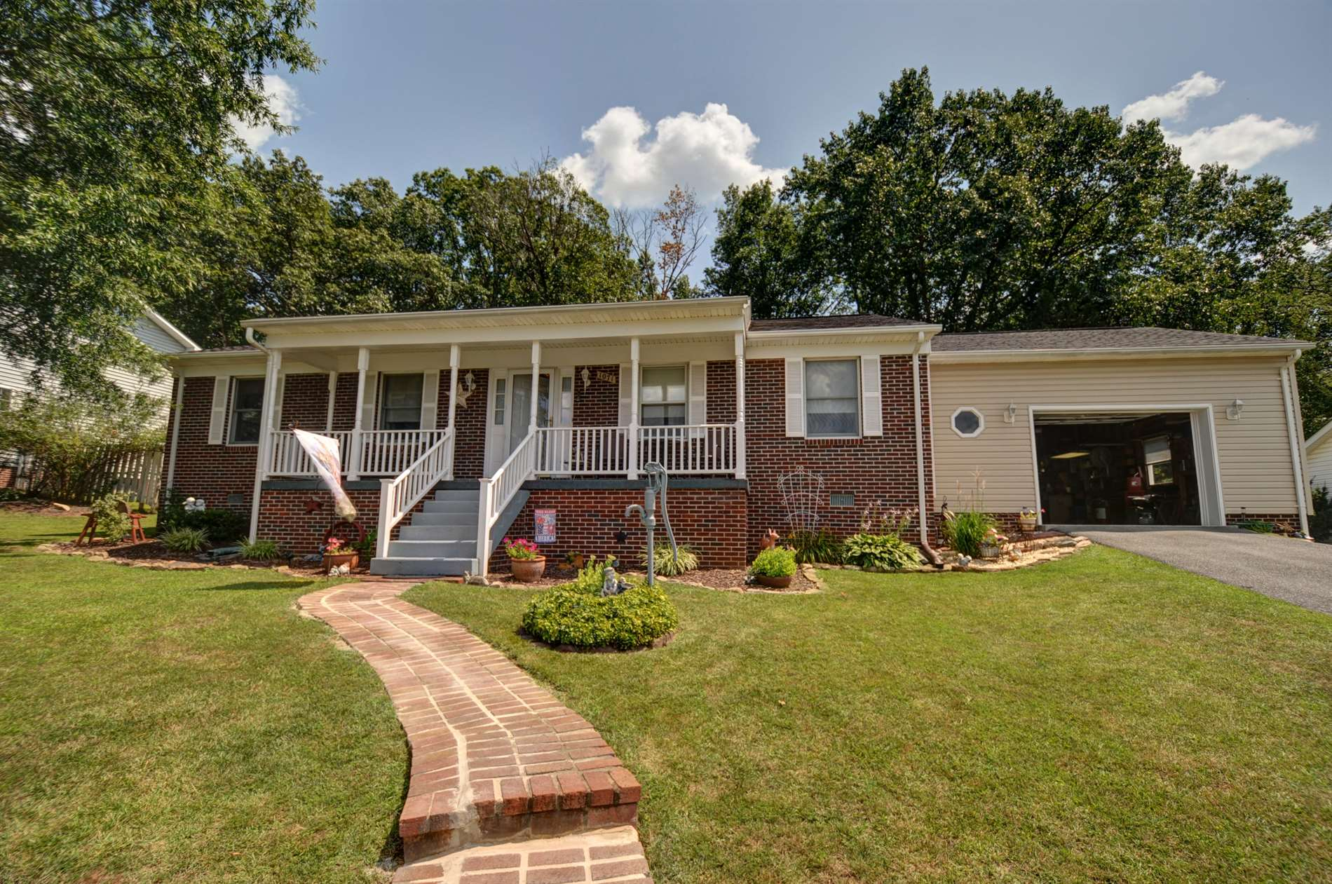 1071 Goodview Drive, Front Royal, VA 22630