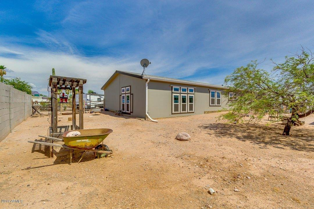 1974 East 20TH Avenue, Apache Junction, AZ 85119