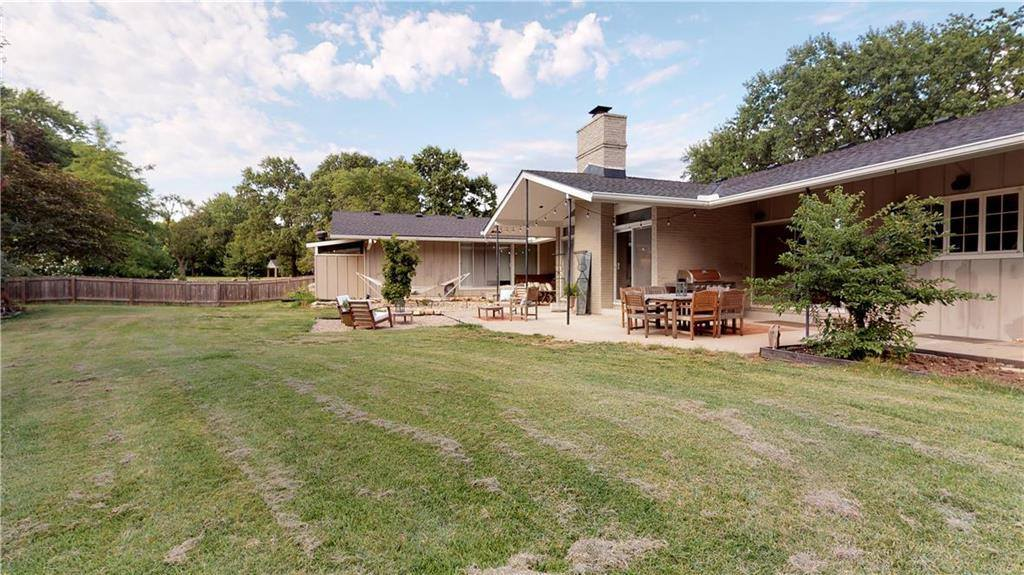 4300 West 90 Terrace, Prairie Village, KS 66207