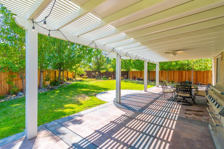 27 Capitola Court, Roseville, CA 95678