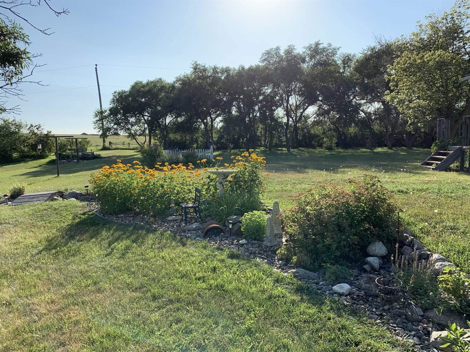 12598 58th St NW, Epping, ND 58843