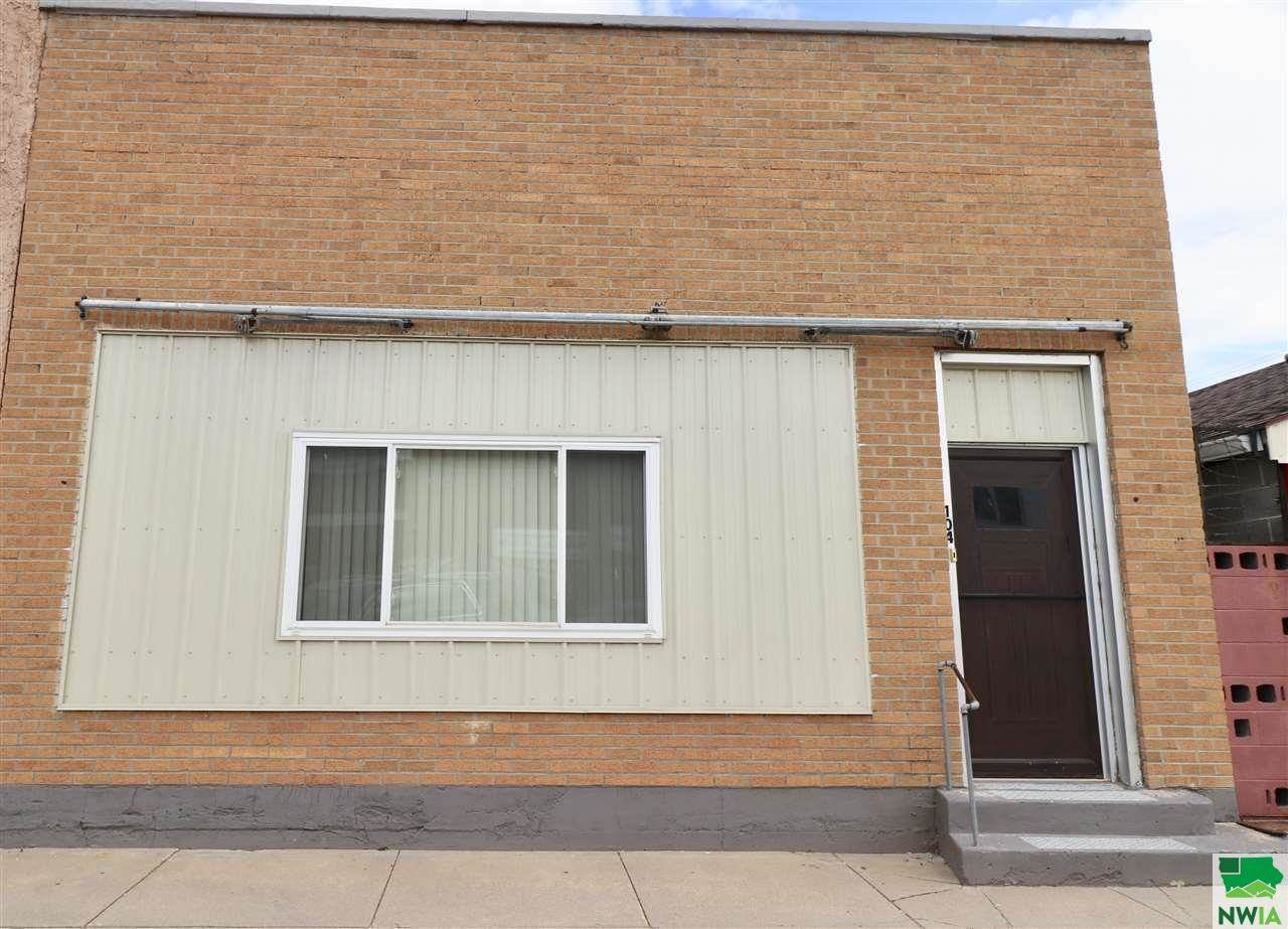 104 East St., Ponca, NE 68770