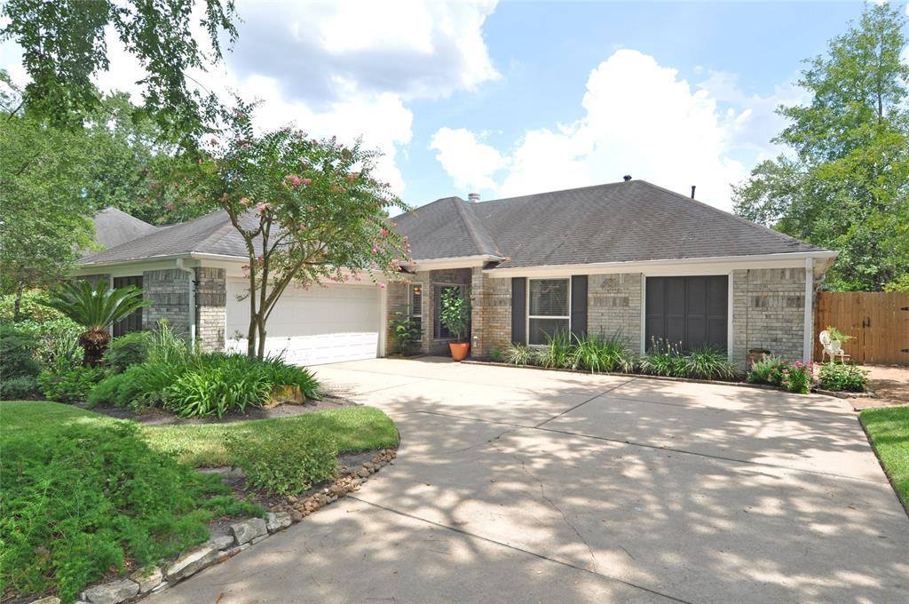 3918 Hill Springs Drive, Kingwood, TX 77345