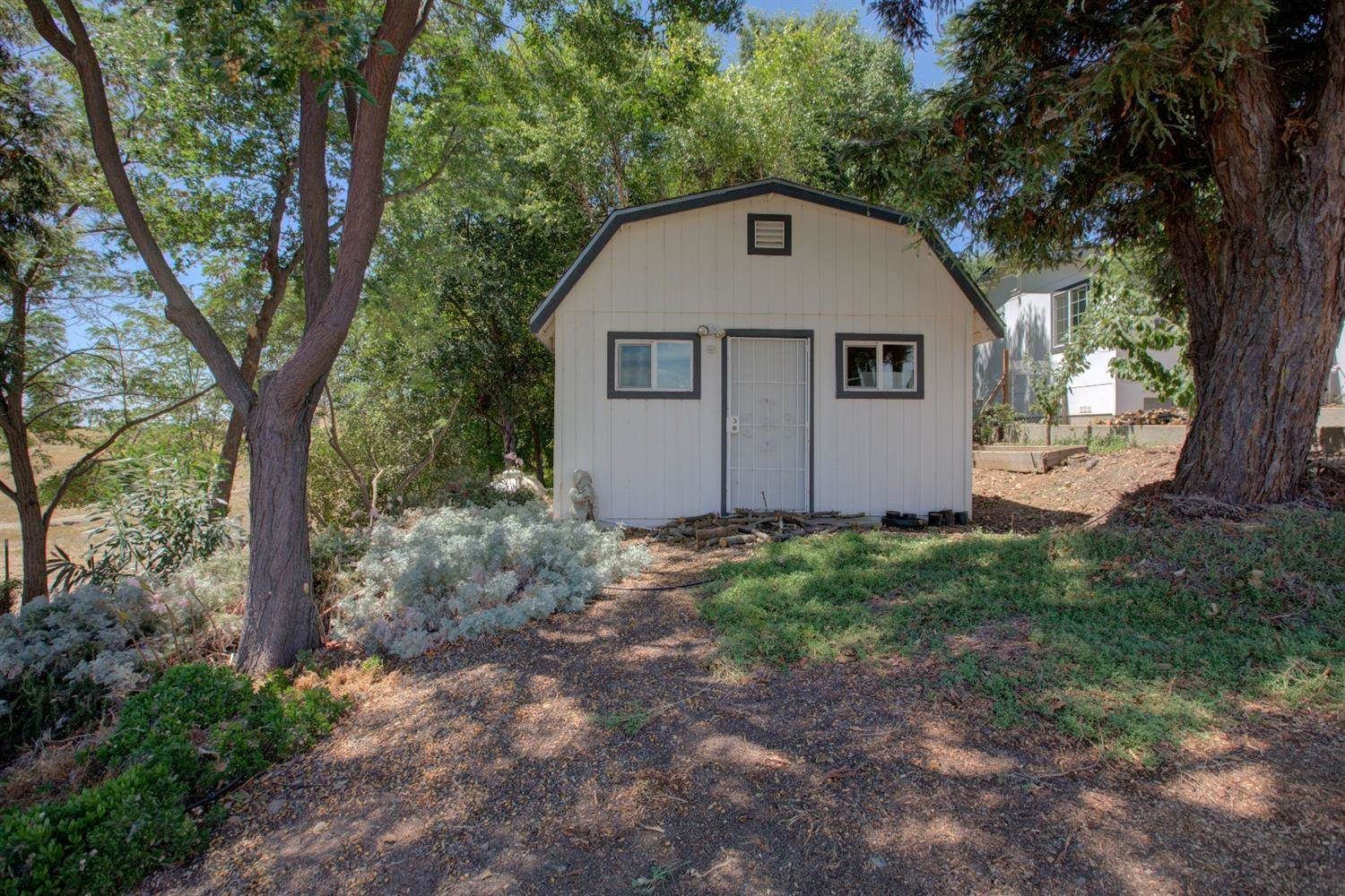 11221 North Wimer Road, Linden, CA 95236