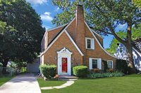 1345 West Stover Street, Freeport, IL 61032