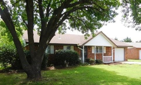 1024 Sunset Cir, Yale, OK 74085