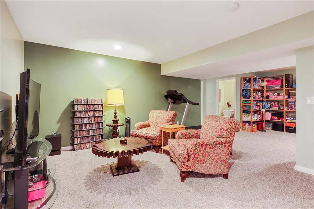 1011 Parkside Court, Raymore, MO 64083