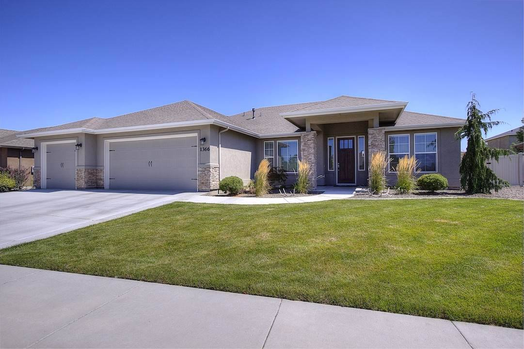 1366 North Waterbrook Way, Star, ID 83669