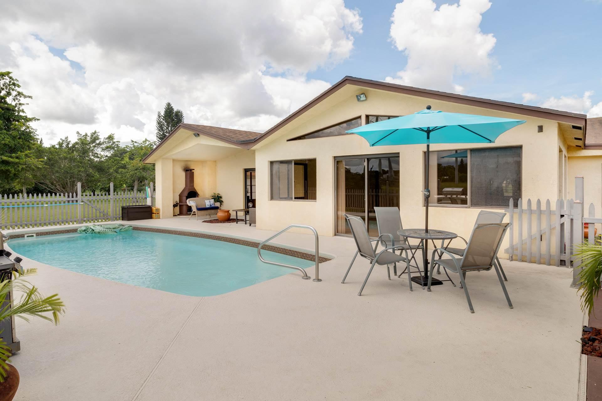 182 Sandpiper Avenue, Royal Palm Beach, FL 33411