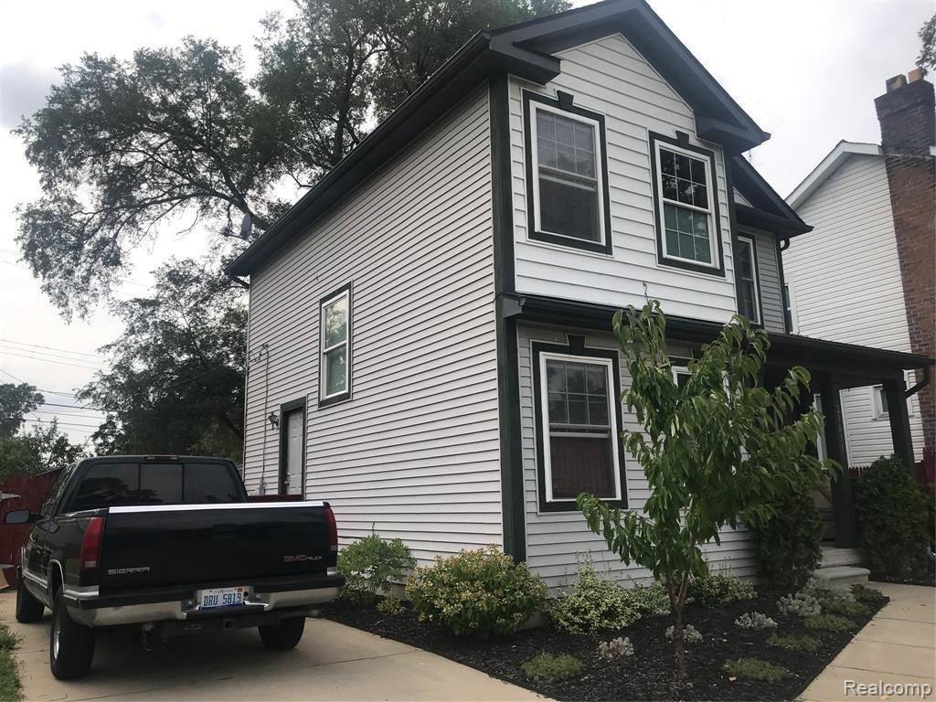 21031 Garden Lane, Royal Oak Township, MI 48220