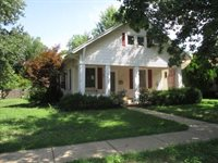 802 E 10th Ave, Winfield, KS 67156