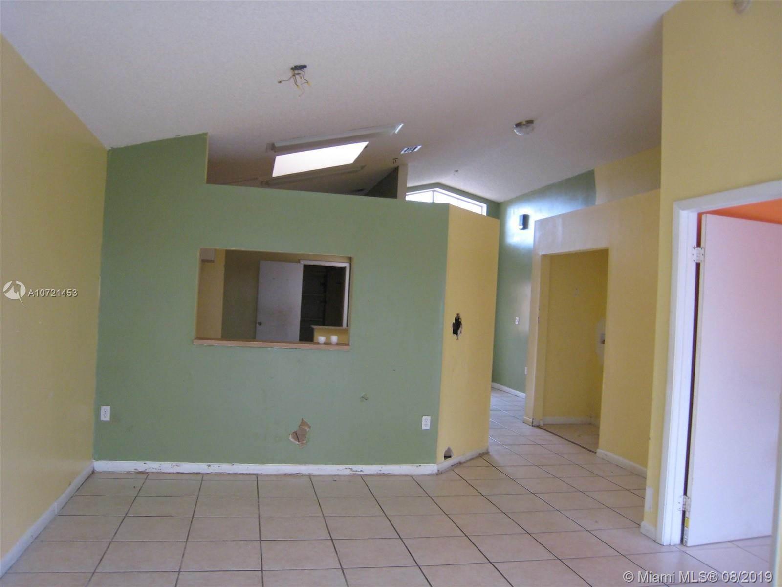 9932 West Elm Ln, Miramar, FL 33025