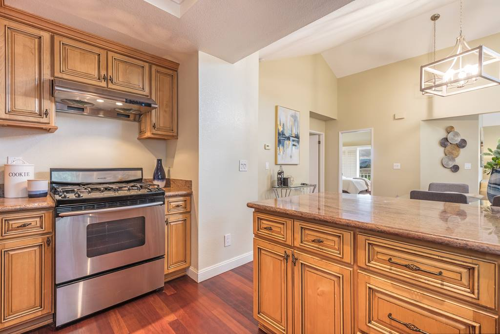 1284 Copper Peak LN, San Jose, CA 95120