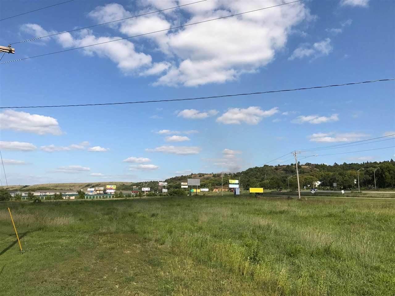 715 Cannon View Drive, Junction City, KS 66441
