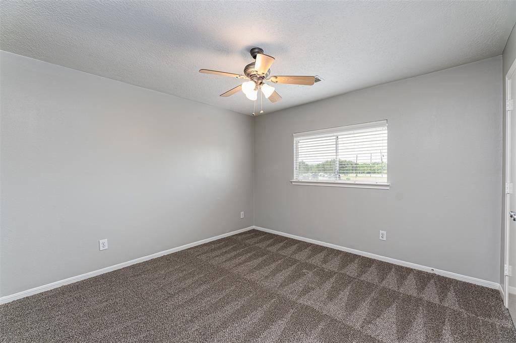 4534 West Thunderwood Circle, Fresno, TX 77545