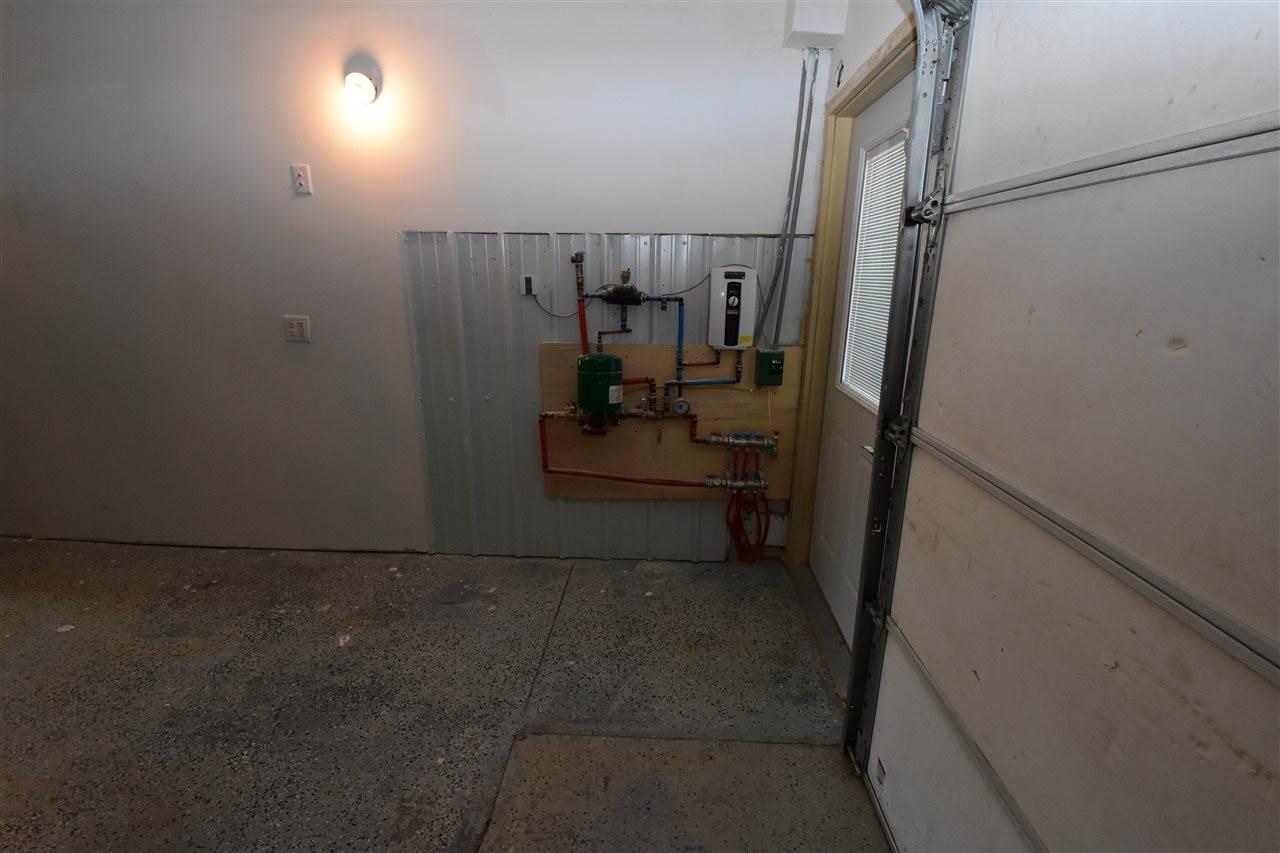 2012 1st AV SW, Minot, ND 58701