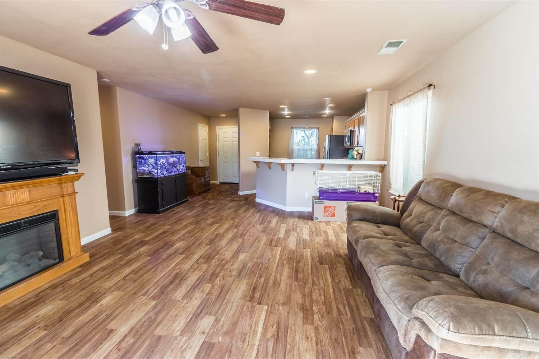 1570 Maplehurst Street, Plumas Lake, CA 95961