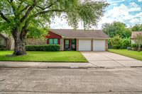 11827 S Perry, Houston, TX 77071