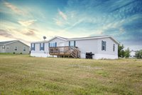 61 69th St, Williston, ND 58801