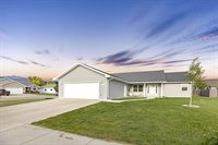 2216 16th Ave West, Williston, ND 58801