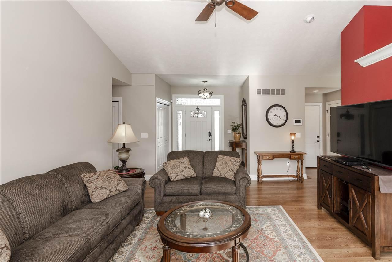 1228 West Park Grove Drive, Manhattan, KS 66503