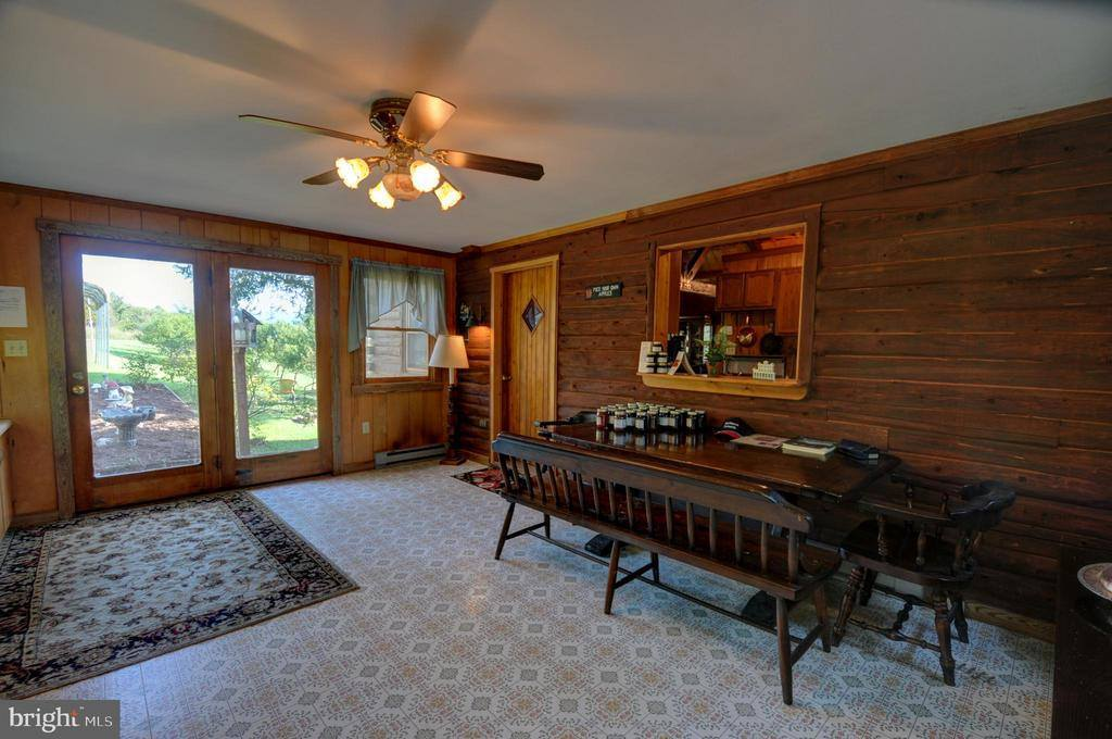 121 Winesap Lane, Huntly, VA 22640