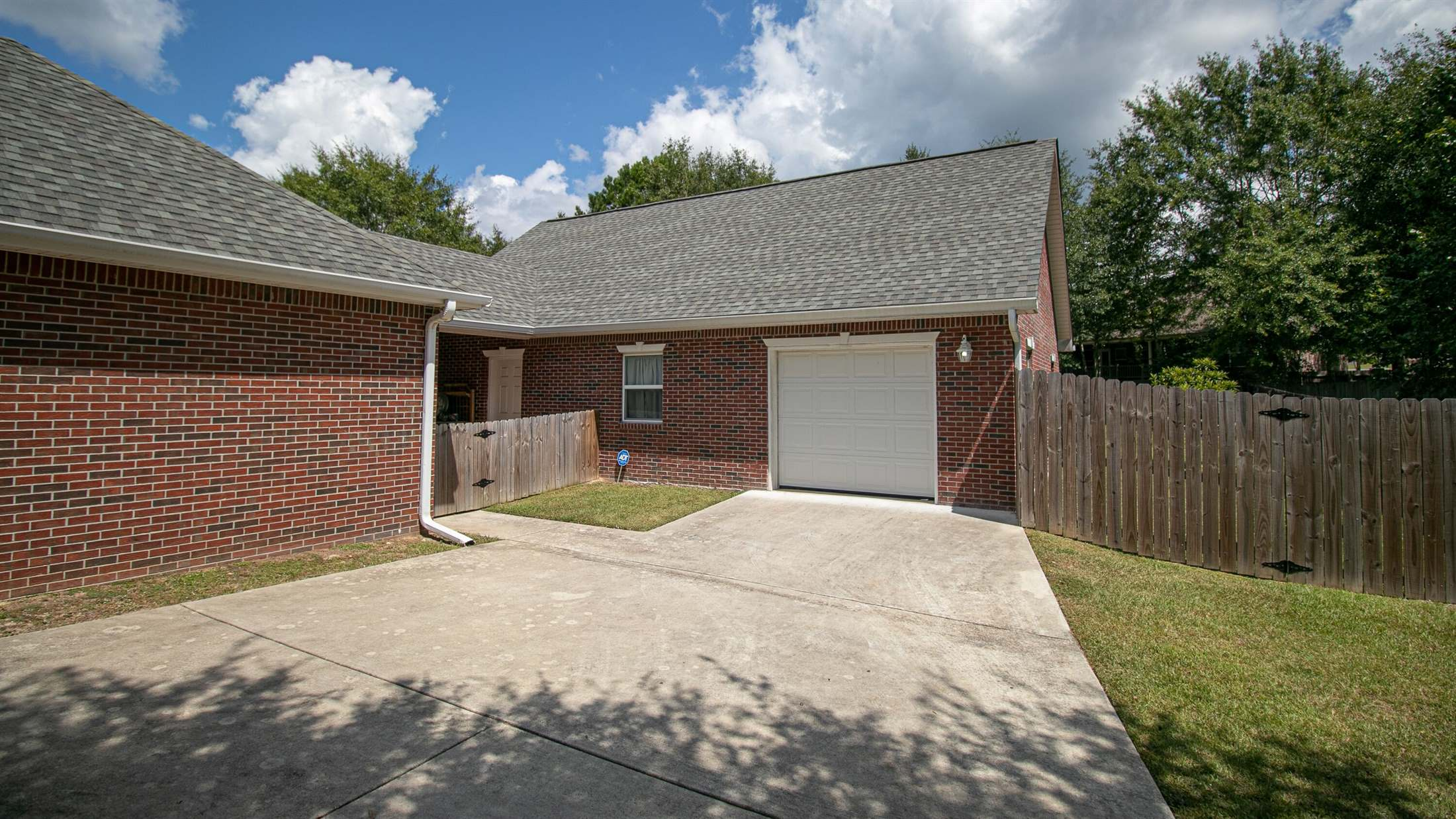 14070 North White Swan Dr., Gulfport, MS 39503