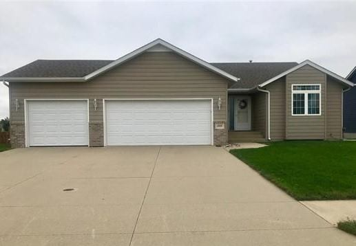 1703 Country Club Drive, Elk Point, SD 57025