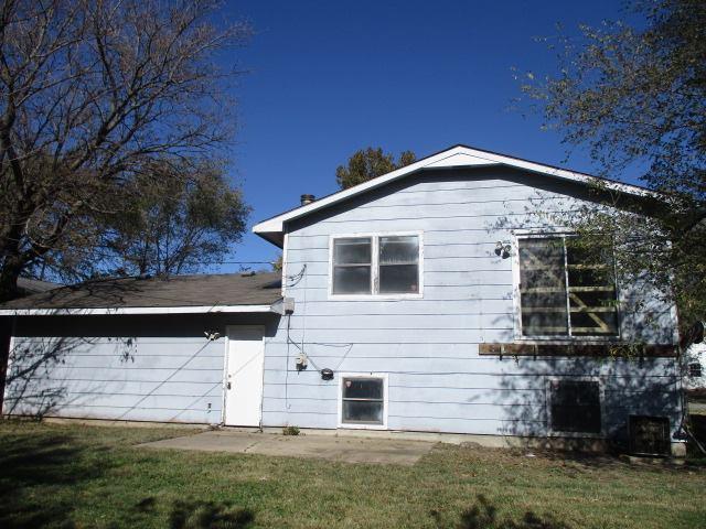 2827 W Dallas Ave, Wichita, KS 67217
